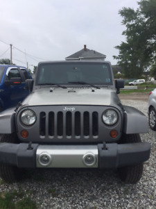2009 Jeep Other Sahara SUV  14000 obo Cash or Financing!!