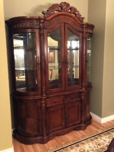 Gorgeous Solid Wood Hutch