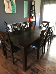 *USED* Kitchen Table and 6 Chairs  *Needs Refinish*