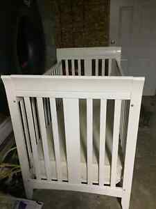 White crib and mattress Peterborough Peterborough Area image 1