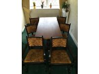 Dinning table aOak dining table and 6 chairs great for Xmas reduced bargain