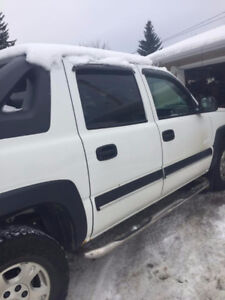REDUCED!2004 Chevrolet Avalanche z71 Pickup Truck REDUCED!!