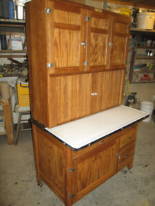 HOOSIER CUPBOARD CABINET WITH TWIN ROLL DOORS LOADED EXCELLENT