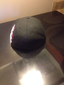 59FIFTY / New Era / black n red / super clean / new West Island Greater Montréal image 4