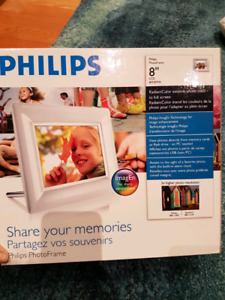 BNIB Philips digital picture frame 8""