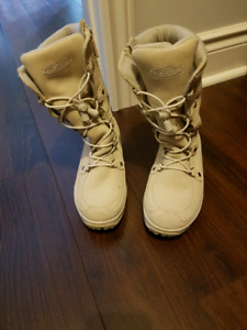Cougar Girls Winter Boots Size 4
