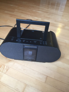 Sony Speaker with Iphone/Ipod docking station