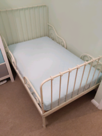 Extendable ikea toddler bed with mattress