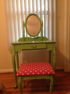 Vintage vanity / dressing table
