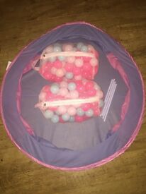 Ball pool and 2 bags of balls