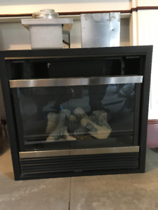 GAS FIREPLACE INSERT AND MANTEL