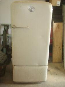 Antique Kelvinator Refrigerator in Good Working Order