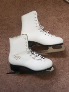 Women's size 7 figure skates