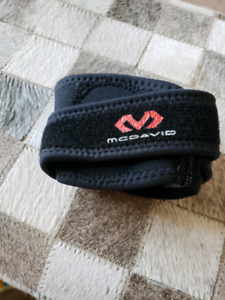 McDavid sports brace for arm, great for tennis $10