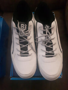 Mens/womens bowling shoes Brand New