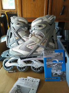 Rollerblades Size 8 Woman's + Protective Pads