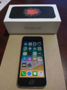 iPhone SE - 64GB - Space Grey - Unlocked - MINT CONDITION