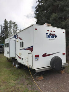 2005 Tahoe by Thor travel trailer