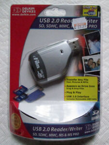 USB 2.0 Reader/Writer (Reader 34 by Delkin Devices)