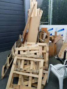 Free pallets/wood - Pickup Only