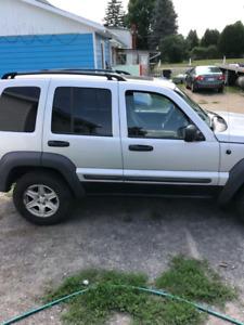 Jeep liberty 2004 1500$