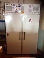 Commando '90 bar fridge - needs thermostat BEER NOT INCLUDED