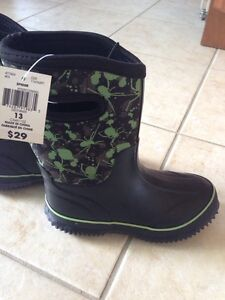Brand new rubber boots - size 13 Cambridge Kitchener Area image 1