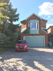Erin Mills Gorgeous Detached House $2500 Ready Move In