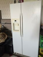 Moffat French double door refrigerator with ice maker