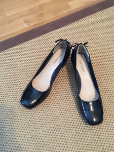 Size 9 Patent Leather Hush Puppies' Pumps