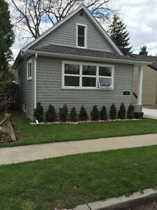 MODERN 3 Bdrm Home Walking Distance to University of Windsor