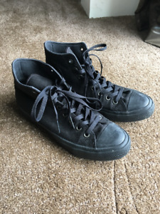 Converse Chuck Taylor High Top — Mens size 9, Womens size 11