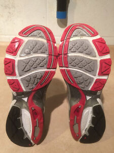 Women's New Balance Cabzorb FL Running Shoes Size 10 London Ontario image 3