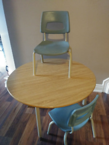 Kids' Activity/Playroom Table with 4 chairs