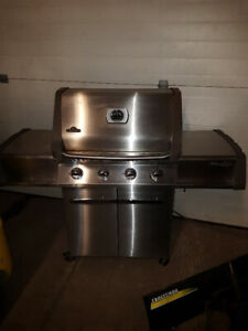 Napoleon Prestige Barbecue For Sale !!