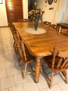 8 Seat Dining Table and Chair Set $300