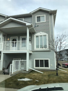 Townhouse available for rent  dec 1st