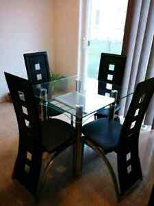 Small Dining set Oakville / Halton Region Toronto (GTA) image 7