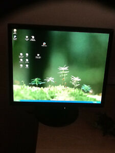"""NEC LCD computer monitor - 17"""" - working 100%"""