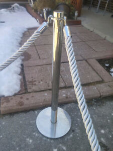 Stanchions rope bars line up... Line control