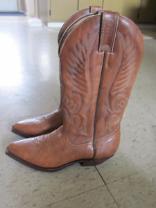 Woman Cowboy Boots size 6 and half