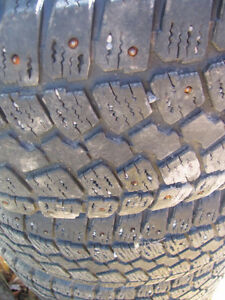 Set of 215/60R15 Tires, Studded, on Chev Rims; Very Good Tread Prince George British Columbia image 7