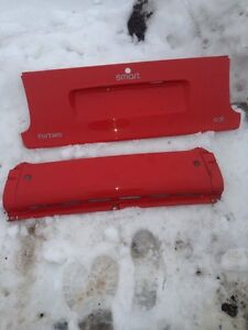 Mercedes Smart car 4two rear red tail gate cover