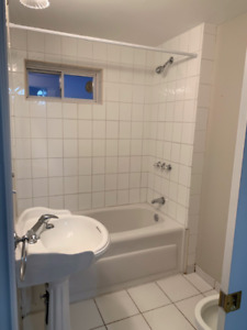 STUNNING 2 BEDROOM UNIT FOR RENT!!
