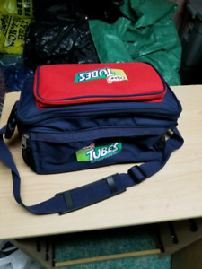 Tubes Lunch hand bag that turns in to a backpack