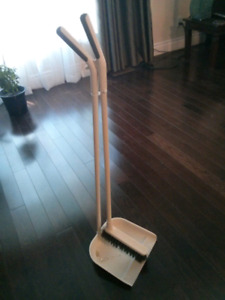 Cleaning Broom and dust pan
