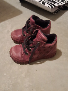 Toddler girl shoes (sizes 2,3,4,5)