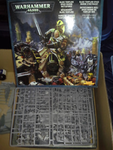 Warhammer 40k Collection & Paintbrushes