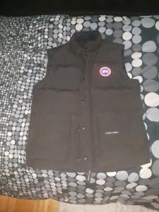 Black Canada goose vest size L