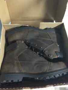Man size 14 steel toe work boots, brand new